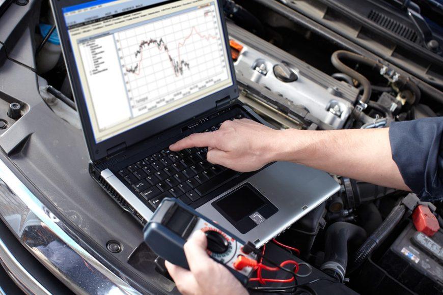 Odkryj usterkę w swoim samochodzie za pomocą laptopa